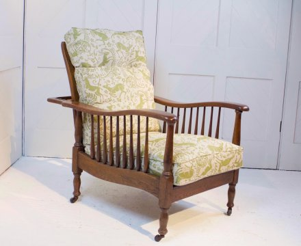 F1075 ARTS & CRAFTS OAK RECLINING ARMCHAIR