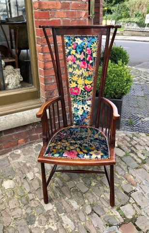 F835 ARTS & CRAFTS LIBERTY ARM CHAIR