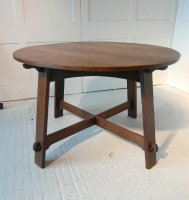 F619 ARTS & CRAFTS LIBERTY & CO CIRCULAR DINING TABLE