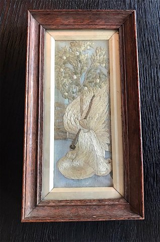 W815 ARTS & CRAFTS FRAMED EMBROIDERY