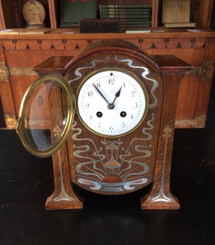 OI995 ARTS & CRAFTS LIBERTY MANTLE CLOCK